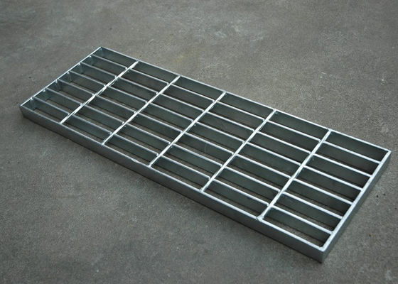 China Hot Dip Galvanized Steel Grating / Stainless Steel Bar Grating 300 * 1000mm supplier