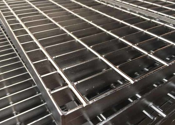 China Polishing Steel Driveway Grates Grating No Paint Beautiful Appearance supplier