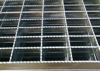 China Anti Slide Galvanized Steel Grating , Drain Covers Grates Serrated Tooth Shape supplier