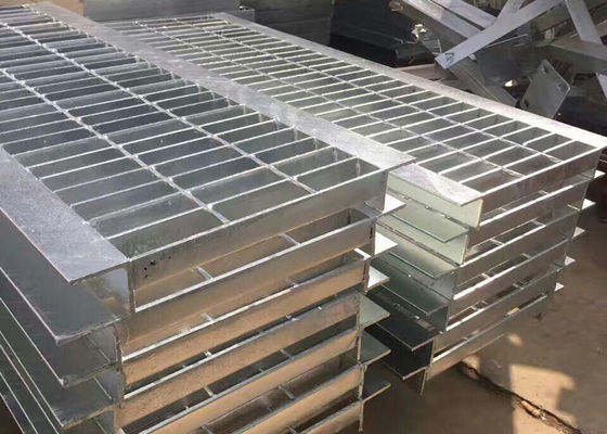 China Walkway Steel Driveway Grates Grating 304 Stainless Steel Mesh Welded Grid supplier