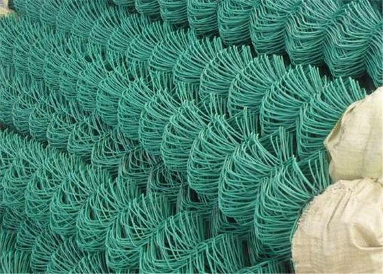 China Green Flat Wire Mesh , 2x2 Chain Link Fence Mesh For Building Material supplier