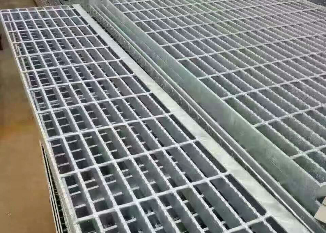Hot Dipped Galvanized Steel Grating Low Carbon Steel For